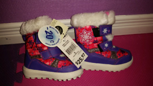 Girls Winter boots (brand new)