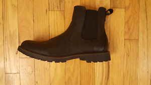 New Mens Black Leather Chelsea Boots Size 9 - $90 OBO