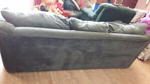 LARGE COMFORTABLE COUCH London Ontario image 4