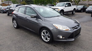 2012 Ford Focus SEL leather sun roof navigation fully loaded