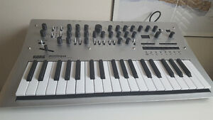 Korg Minilogue - analog poly synth, mint condition