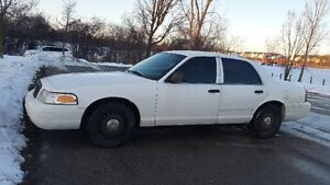 2008 Ford Crown Victoria Police P71 Sedan