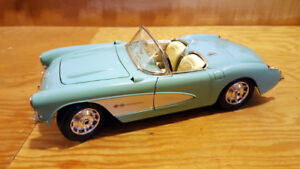 Model Car: Burago Chevrolet Corvette 1957
