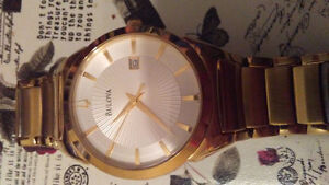 Gold Bulova watch good condition authentic