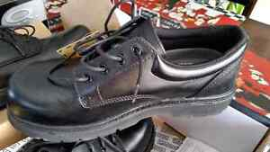 Men's size 10.5 brand new steel toed shoes