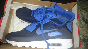 SIZE 12.5 AIR MAX 90 120$ OR BEST OFFER