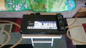 Sony Smart 3D Blu-Ray Player & Remote (Netflix)(euc)