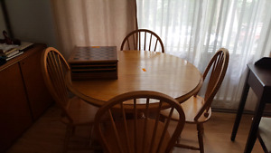 Oak table and chair set (Mahone Bay)