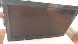"""Panasonic TC-L32X2 32"""" Viera LCD TV $98"""