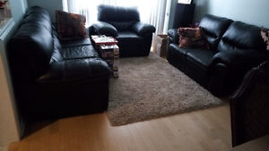 Set of Black Couch for Sale $300.00 Oakville / Halton Region Toronto (GTA) image 1