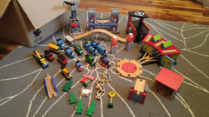 Thomas and Friends Train Set and table