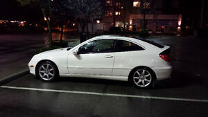 2003 Mercedes-Benz C-Class V6 Coupe (2 door)