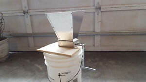 Grain mill twin roller for home brewing