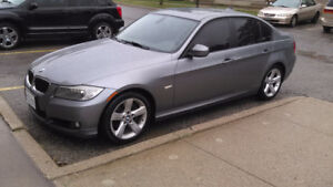 BMW 323i 2011 low km comes with set of rims 18""
