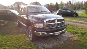 ** SOLD** 2004 Dodge Ram 1500 4x4 AWD 2600$ As Is
