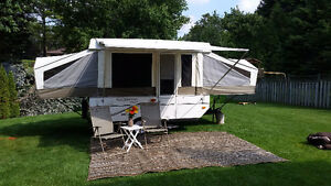 CAMPING SEASON IS HERE! CLEAN 10 FOOT POP UP FOR RENT!