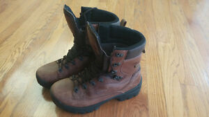 Mens Alpina Tibet Backpacking Boot - as new