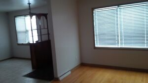 House for rent - 3 bedroom bungalow for rent available Kitchener / Waterloo Kitchener Area image 8
