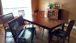 DINING ROOM SET w/ BUFFET $600 or BEST OFFER