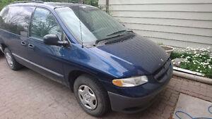 2000 Dodge Caravan Minivan, Van