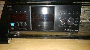 Sony 400 CD DVD Player Changer with keyboard and remote