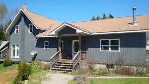 Highly skilled house painter with 30+ years experience Kawartha Lakes Peterborough Area image 1