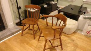 Wood Kitchen table (with 6 Chairs)