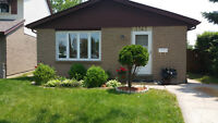 OPEN HOUSE May 31-DEVONSHIRE HEIGHTS, CLOSE TO 2 SCHOOLS & PATHS
