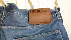 True Religion gently worn 3-4 times no flap/ flap size 33-34