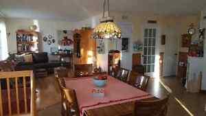 Jolie maison à prix abordable avec superbe hall d'entrée ! Saguenay Saguenay-Lac-Saint-Jean image 5