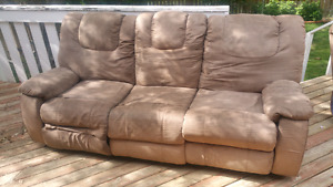 RECLINING COUCH, LOVE SEAT & CHAIR