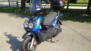 Yamaha - YW125Y Scooter