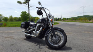 Honda Shadow ACE 1100 made in USA ( American Classic Edition )