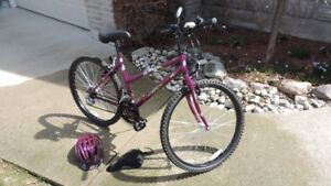 WOMANS FULL FRAME 18 SPEED BICYCLE
