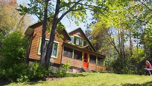 Chaleureuse maison à louer pour amoureux du plein air
