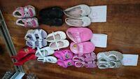 Lot des chaussures pour fille