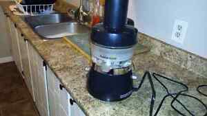 Awesome juicer for sale !!