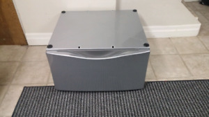 """15"""" Pedestal for a whirlpool Washer or dryer"""