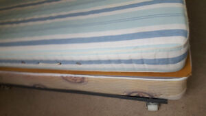 2 single beds, with metal frame and box spring
