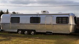 Avion/ Airstream 34' trailer