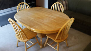 Kitchen Pedestal Table & 4 matching chairs