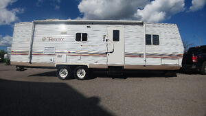 Fleetwood terry 32 ft slide and bunks $8,900