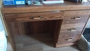 Desk with 4 drawers for sale