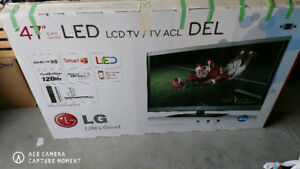 """LG 47"""" TV 4 years old 3D great picture"""