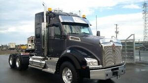 "New 2017 Kenworth T880 with 52"" Sleeper"