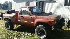 RARE TOYOTA R22 TURBO, TRUCKS AND PARTS