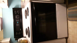 EXCELLENT KENMORE STOVE