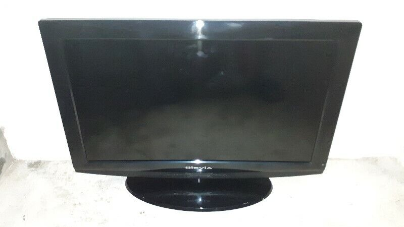 VERY RARE GOOD QUALITY COLOUR OF OLEVIA M320BU 32 INCH LCD TV WITH HDMI INPUT.