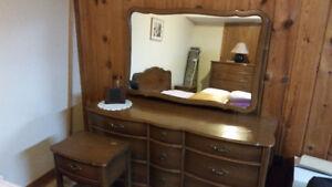 Antique 5 piece Bedroom set