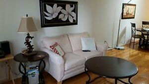 Set de cuisine, table de salon et Sofa et Cadre a vendre West Island Greater Montréal image 3